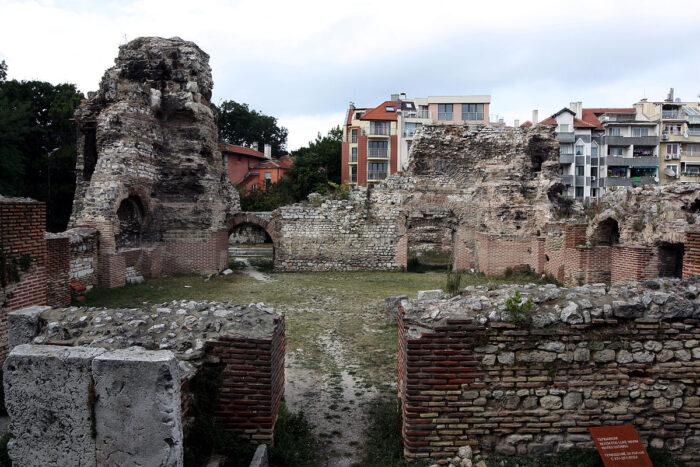 Останки от Римските терми в град Варна. Изградена към края на II век това е най-голямата баня на Балканите.